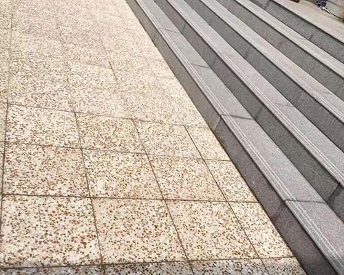 楼梯板和水磨石